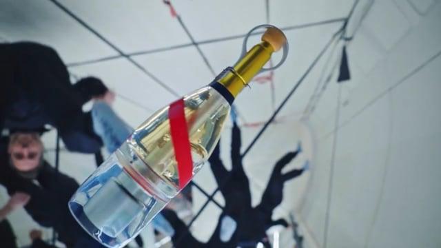 Mumm Grand Cordon Stellar Champagne tasting in Zero Gravity