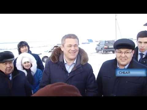 Хабиров посетил МФЦ и встретился с жителями п.Северный