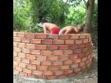 Скоростные ребята построили бассейн