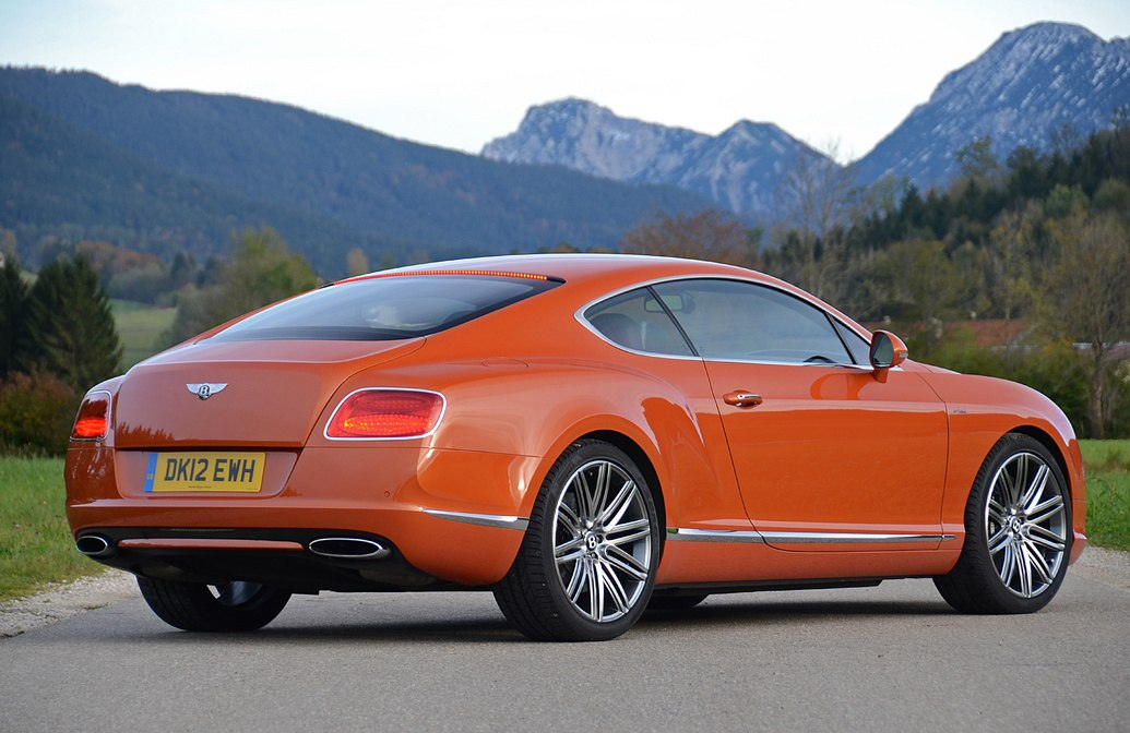 Bentley Continental 2013.
