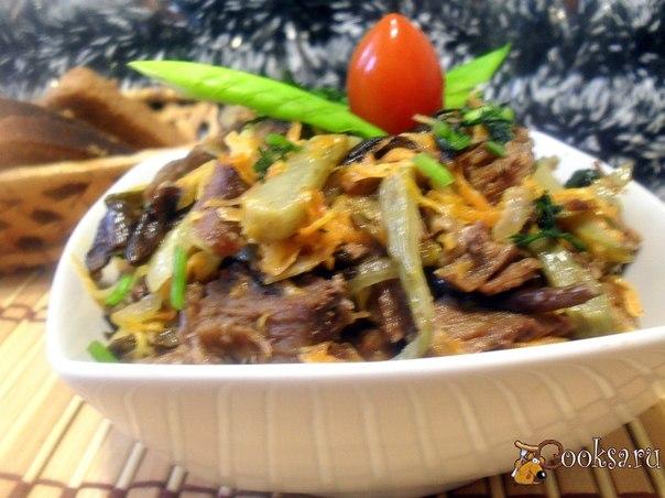 Горячий охотничий салат Вкусный и сытный горячий салат.