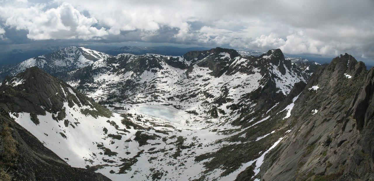 Панорама с перевала Птица в сторону озера Мраморное