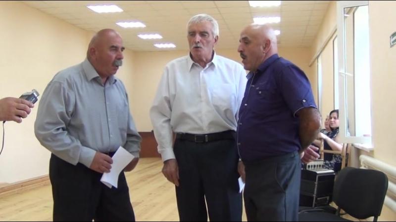 Мужской фольклорный ансамбль из Дигоры (Северная Осетия)
