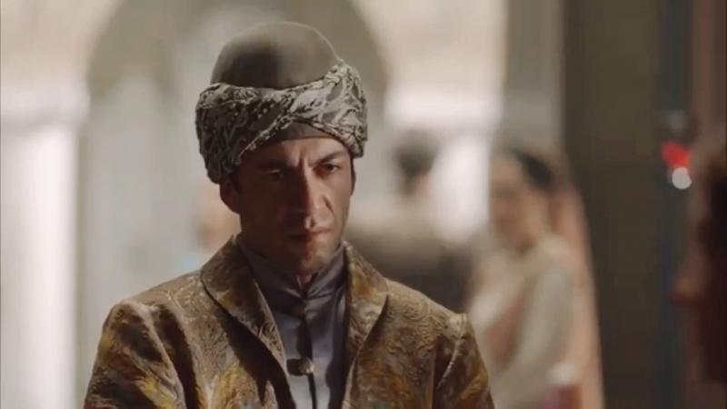 Наложница оскорбляет Султаншу