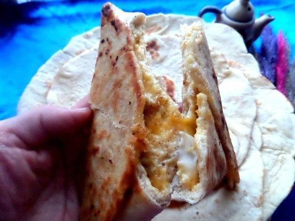 Ёка, армянская закуска из лаваша Ингредиенты: -Лаваш порционный (диаметром