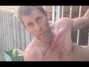'Caçador de fantasmas' é flagrado pelado e preso em portão de casa abandonada