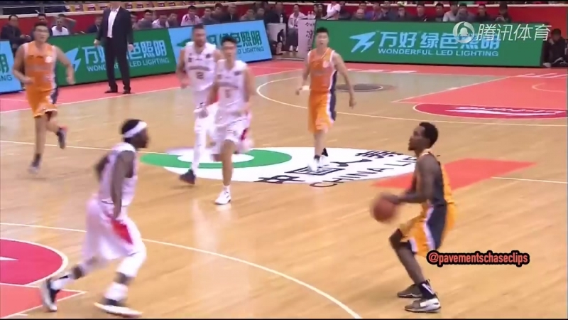 Brandon Jennings - 32 Points CBA Debut! vs. 山东 (29.10.17)
