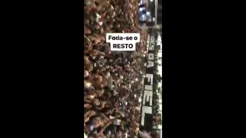 Vídeo gravado por @10Emerson10 na quadra da Gaviões. Corinthians