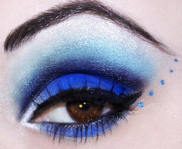Макияж синим глазам