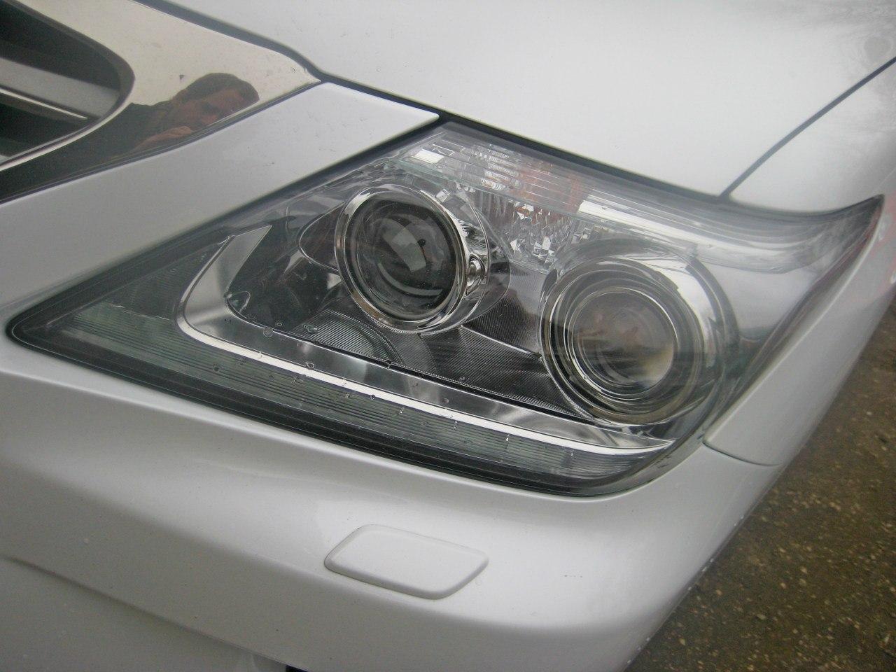 Передняя оптика Lexus LX 570 2012