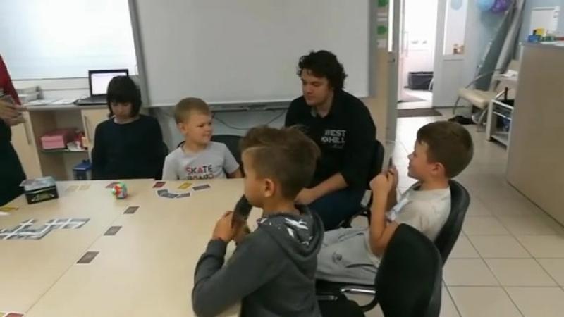 ☺ В этом году мы разнообразили программу летнего лагеря Lego Fun и добавили в программу Время для игр в настольные игры 📝Сегод