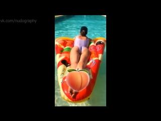 Глюкоза (Наталья Ионова) в бассейне в Антибе - Instagram, 19/07/2018 - Голая? Секси, попка, ножки