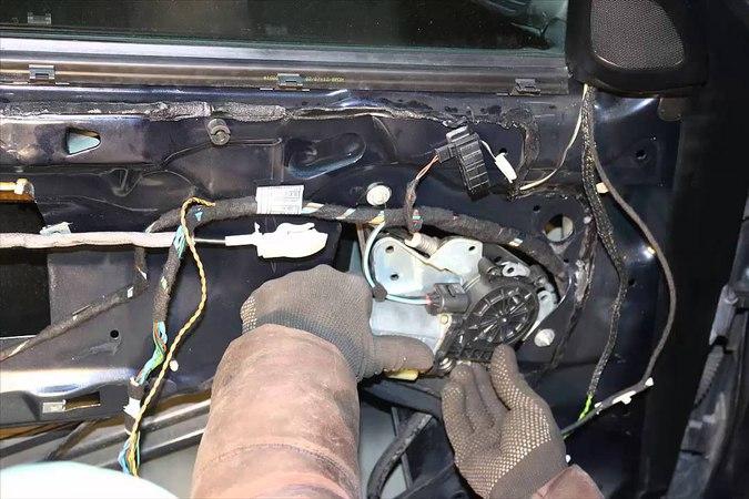 BMW E 46 замена тросика