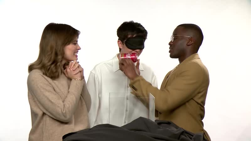 Sex Education Cast Take the Blindfolded Kissing Challenge ¦ Kiss Tell ¦ Netflix