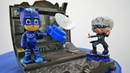 Giochi con i giocattoli dei cartoni animati Lunetta ha un piano