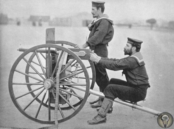 НА КОМ ВПЕРВЫЕ ИСПЫТАЛИ ЛЕГЕНДАРНЫЙ ПУЛЕМЕТ МАКСИМА. Как известно, создатель первого в мире пулемета Хайрем Максим работал над своим изобретением неспешно первые детальные наброски механизмов