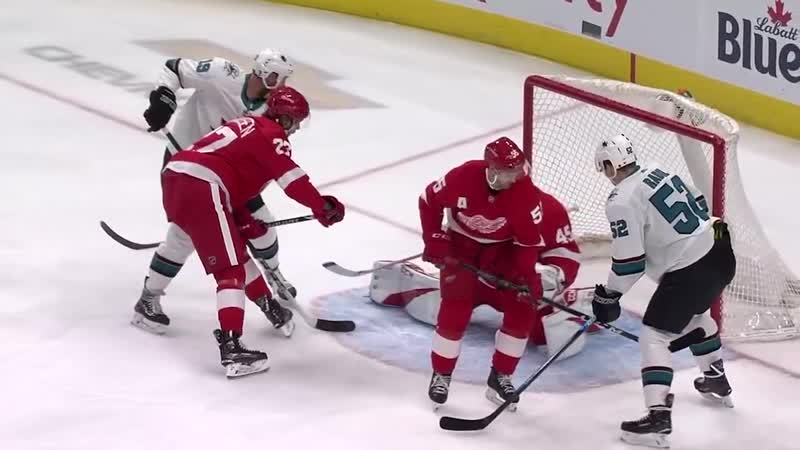 Pavelski lifts Sharks to victory with natural hatty