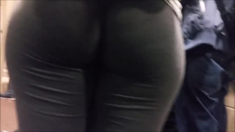 Fat ass, grey leggings in college