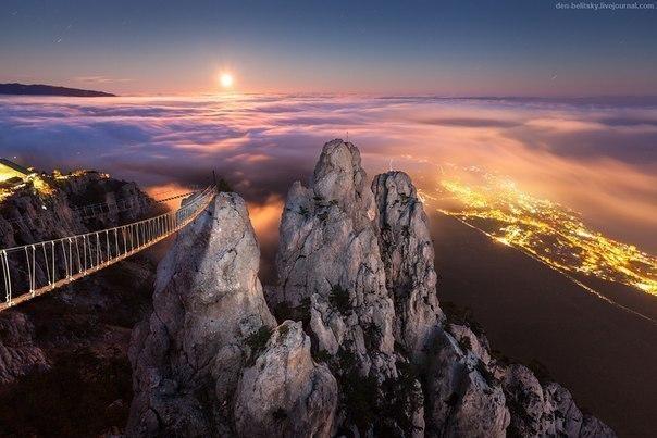 Восход луны над Ялтой, Крым