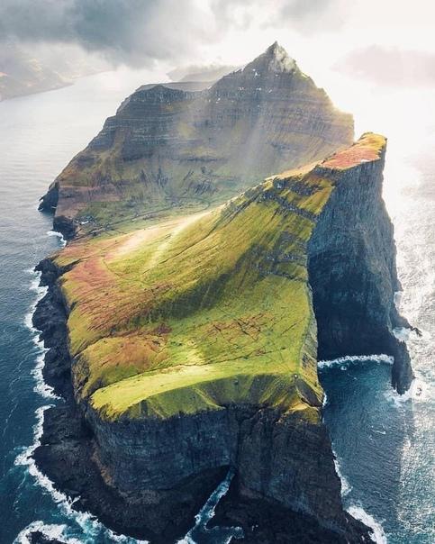 Фарерские острова утром (Каллурский маяк, Трелланес)