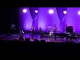 Lea Michele &amp Darren Criss - Don't You Want Me (Live)