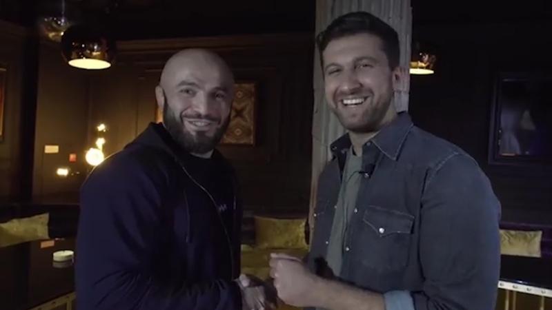 Амиран Сардаров поспорил с Магой Исма и Владимиром Минеевым [Нетипичная Махачкала]