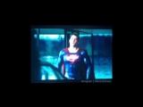 Удаленная сцена с Альфредом и Суперменом