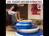Дочка учит папу гимнастическим упражнениям