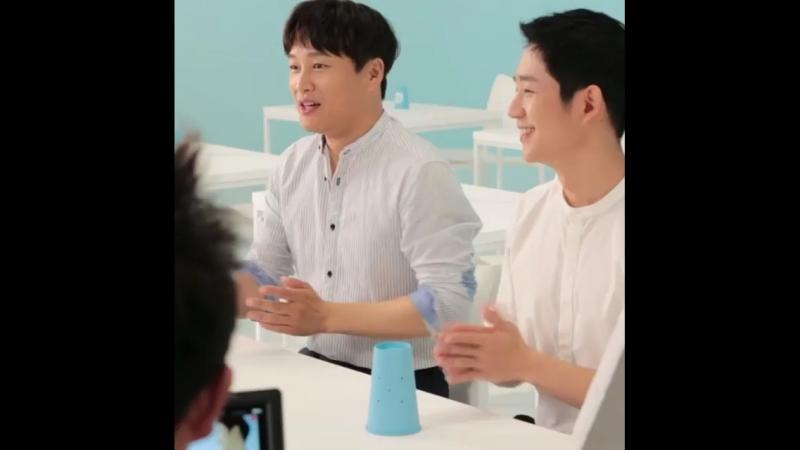 Чон Хэ Ин и Ча Тэ Хён на съёмках рекламы Samsungfiretalk