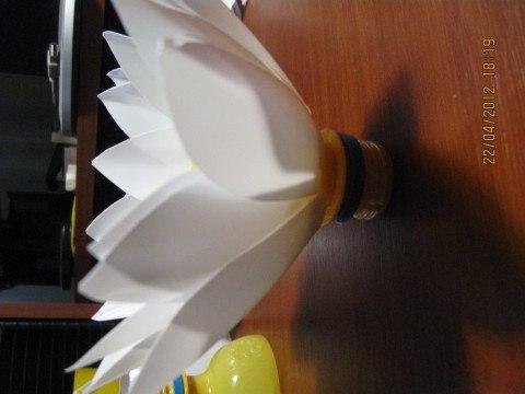 Лилии из пластиковых бутылок своими руками видео