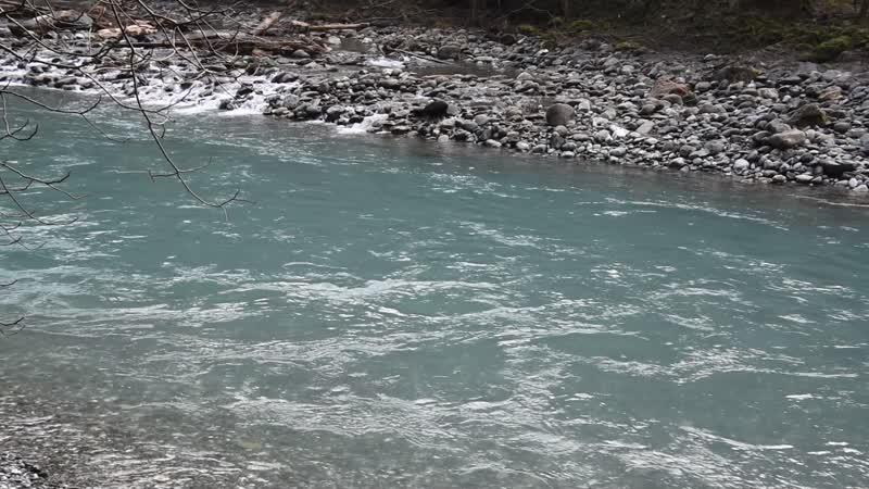 Река Сочи в месте впадения реки Безуменки. Сильный шум воды - это шум Ореховского водопада)) февраль 2019