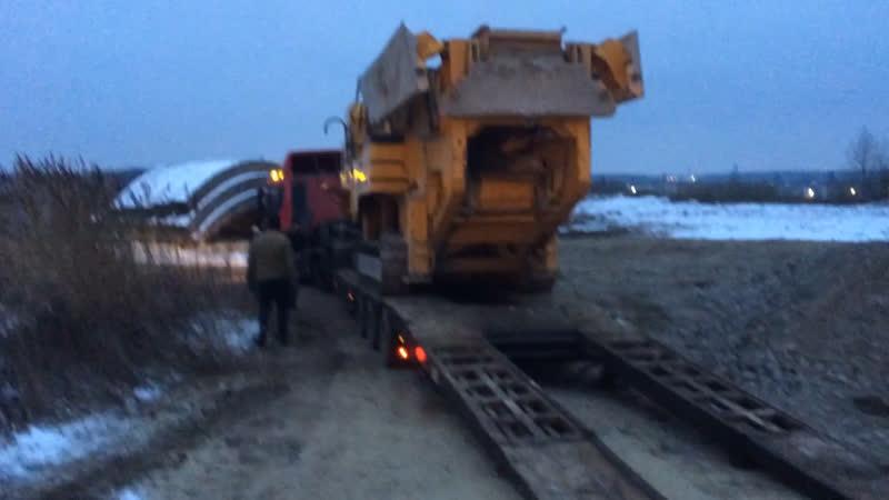 Транспортировка 33 тонной дробилки