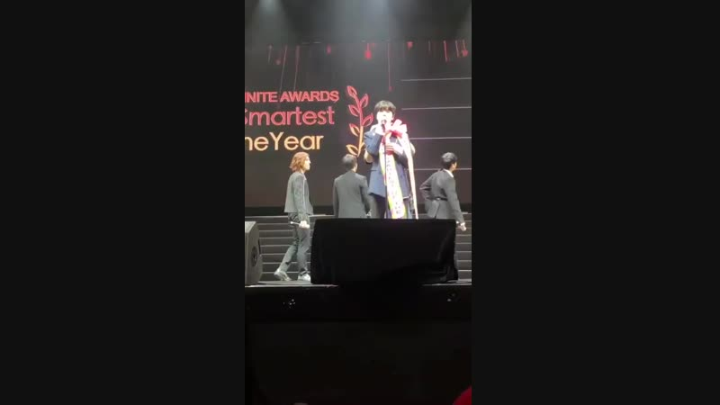 [241118] Фанмитинг Инфинит в Макао. Победа Сонджона в номинации Умник года