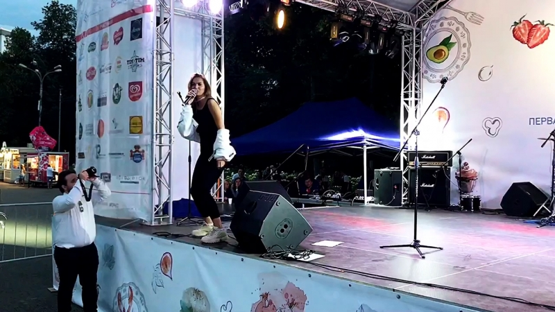 Певица Букатара (Bukatara) - Просто танцевать. Фестиваль «ГРЕНАДИН» в Сокольниках. Москва. 19.08.18г.