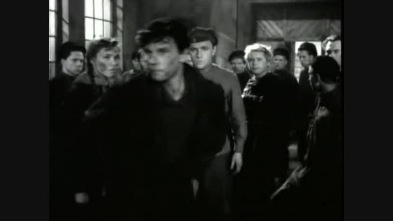 Они были первыми (1956). СССР. Хф. История, революция, гражданская война, интервенция.