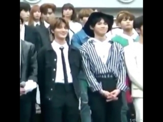 taeil grabbing doyoungs ass in public and pentagon members noticing it only