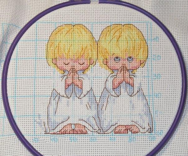 Схема для вышивки с тремя ангелочками 706