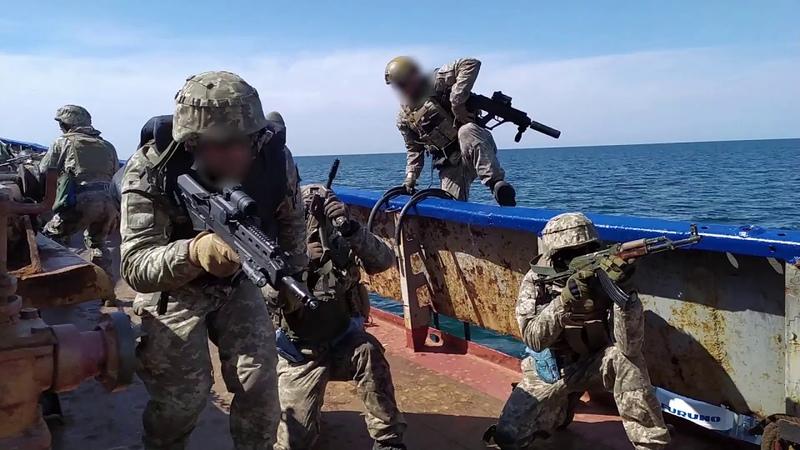 Абордажні дії 73 морського центру спеціального призначення VBSS (visit, board, search and seizure).