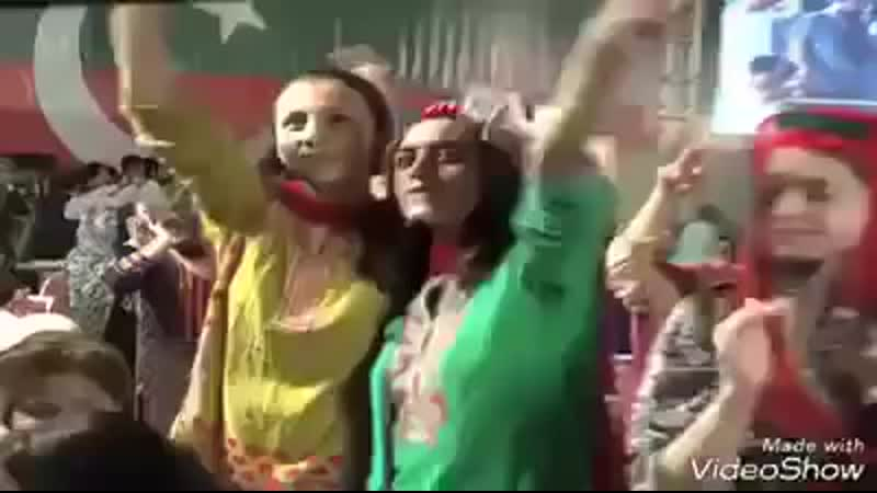 PTI_Imran_Khan_Hot_Girls_Dance_in_Islamabad_Dharna.mp4