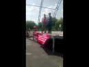 Тупого Сисониста гонят ссаными тряпками с митинга в Челябинске 🤣😆👍