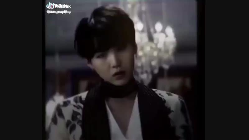 Min Yoongi/Suga VINE