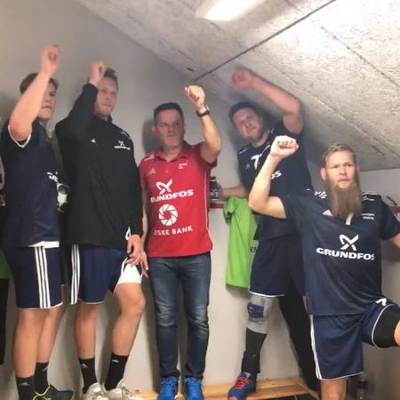 """Bjerringbro-Silkeborg on Instagram """"SEJR! Vi vinder 39-28 i årets første Champions League kamp 🏆@johanhansen10 blev kampens spiller og topscorer m..."""