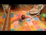 Новогодний оленёнок и его почти шпагат