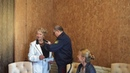 Солодовниковой ЕС вручают орденский знак За заслуги в медицине