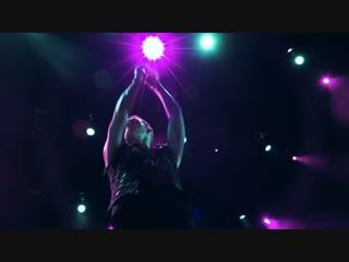 Maximum на концерте shinedown