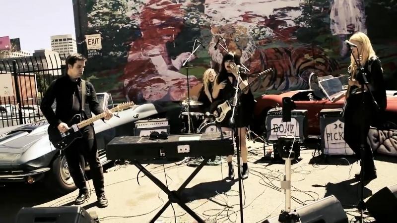 Death Valley Girls live on PressureDrop.tv