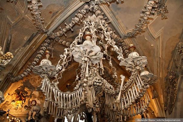Седлецкая церковь: необычный интерьер, украшенный тысячами костей
