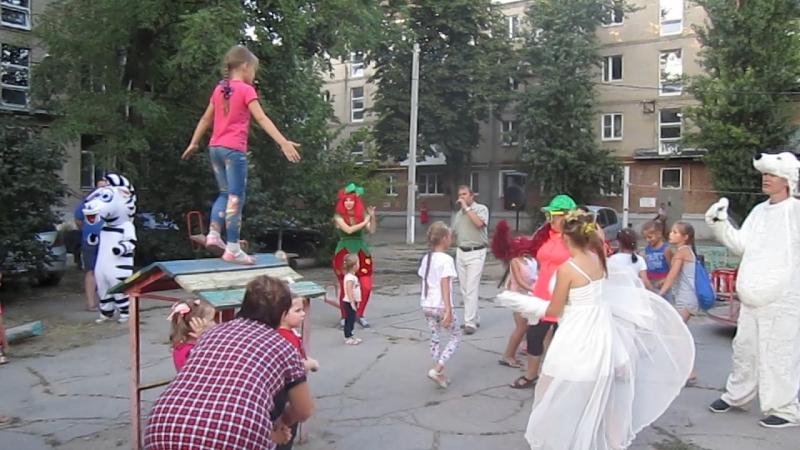 3 Наталья Пугаева Олег Шабанов и кукольный театр ТАКУТИ Праздник двора Таганрог