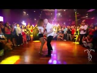 ATACA  LA ALEMANA Bachata Dance Performance 40 MILLION VIEW PARTY @ THE SALSA R