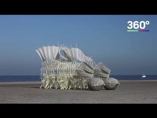 Художник создает необычные скульптуры